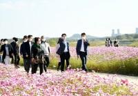 (번호 8)2020-10-17-문산천 행복꽃밭 조성지 방문 7.jpg